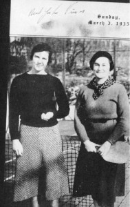 Jean Eaton and Kitty Fuller, the 1935 and 1936 Women's Champions dressed for paddle