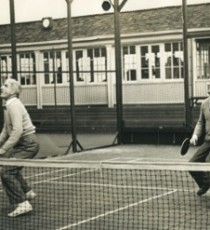 Don White (left) and Fess Blanchard play at Manursing Island club in Rye, NY